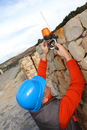 Métier de la construction - Électricien spécialisé en installation de systèmes de sécurité
